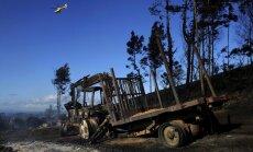 Spānijā dzēst mežu ugunsgrēkus nosūtītas trīs lidmašīnas ar ūdensmetējiem