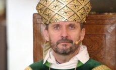 'Šķelšanās luteriskajā baznīcā': Vanags teologu dekāniem atbild ar padomu par baļķi acī