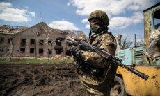 Ukrainas armija pabeidz bruņojuma atvilkšanu no austrumu frontes līnijas
