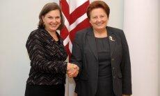 Foto: Straujuma ar Nulandu pārrunā divpusējo sadarbību ar ASV