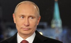 Putins Jaungada uzrunā pateicas krieviem par valsts interešu aizstāvību
