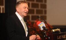 Valdība apstiprina Muižnieku LU rektora amatā