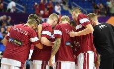 Latvijas basketbola izlase pret Krieviju spēlēs pilnā sastāvā