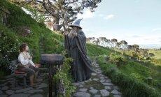 Video: lidojuma drošības instrukciju izspēlē hobiti, goblini, elfi un citi 'Gredzenu pavēlnieka' varoņi
