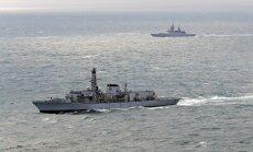 Britu 'HMS Westminster' Lamanšā pavada Krievijas karakuģus