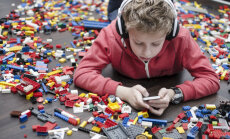 Vecākus uztrauc bērnu adaptācija skolā; bērnus – attiecības starp vienaudžiem