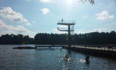 10 metrus augsts tramplīns, sala un dabas takas – Lietuvas ziemeļu valdzinājums