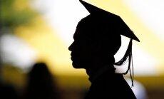 Apdraudētās 5457 budžeta vietas: IZM sola cīnīties par finansējumu; studenti gatavo zibakciju