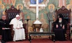 Pāvests Francisks Gruzijā netieši kritizē Krieviju
