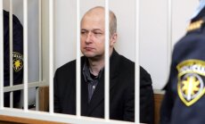 Par sievas slepkavību notiesātais Ivanovs cietuma kameru varētu nomainīt pret māju Baltezerā