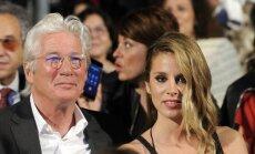 Aktieris Ričards Gīrs 69 gadu vecumā kļūs par tēti