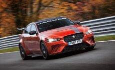 Video: 600 zirgspēku 'Jaguar' kļuvis par ātrāko sedanu Nirburgringas trasē