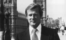 Miris britu aktieris, Džeimsa Bonda lomas atveidotājs Sers Rodžers Mūrs