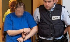 Vācijā pāris apsūdzēts par dēla pārdošanu pedofiliem 'tumšajā tīmeklī'