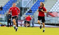 Foto: Latvijas nacionālā futbola izlase sparīgi gatavojas spēlēm pret Ungāriju un Šveici