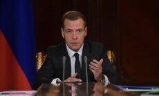Medvedevs: Krievijas lidmašīna Ēģiptē, iespējams, nokrita terorakta rezultātā