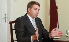 Министр: отставка Байбы Рубесы не помешает реализации проекта Rail Baltica