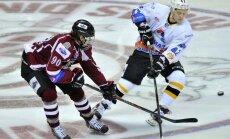 'Sharks' draftētais Čukste smagi strādās un gaidīs darba augļus – nokļūšanu NHL