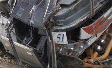 Pieci bojāgājušie un 33 cietušie autobusa avārijā Krievijā