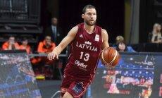 Uz Latvijas gada basketbolista balvu pretendē Porziņģis, Bertāni, Srēlnieks un Timma