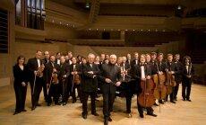 Rīgā uzstāsies 'Maskavas virtuozi' un izcilais diriģents Vladimirs Spivakovs