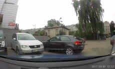 Video: Kas notiek, ja automašīnai nenovelk rokas bremzi