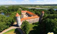Karte: Kuras aristokrātu mītnes piedalās šī gada akcijā 'Apceļo Baltijas pilis un muižas'