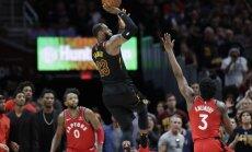 Džeimss izrauj 'Cavaliers' vienībai jau trešo uzvaru sērijā pret 'Raptors'