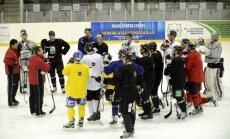 Fotoreportāža: Latvijas hokeja izlase uzsākusi gatavošanos turnīram Francijā