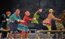 Foto: Nacionālajā teātrī sācies 'Sudraba slidu' laiks