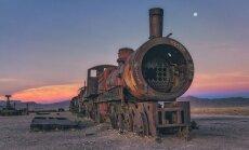 Šeit var 'dzirdēt' rūsēšanu – pamestā vilcienu kapsēta Bolīvijas sāls laukos