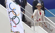 Olimpiskais karogs ieradies nākamo olimpisko spēļu mājvietā - Tokijā