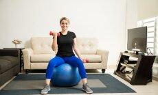 Четыре упражнения для идеальной фигуры, которые можно делать где угодно