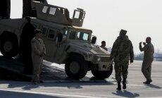 Ukraina no ASV saņēmusi 100 militāros automobiļus 'Humvee'