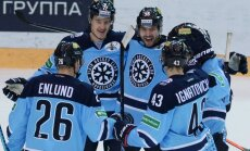 KHL čempioni 'Metallurg' Gagarina kausa ceturtdaļfinālā piedzīvo vēl vienu zaudējumu 'Sibirj'