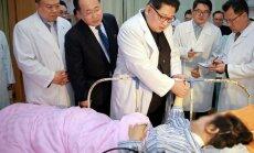 Kims 'rūgtās bēdās' apciemo avārijā cietušos Ķīnas tūristus