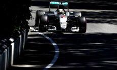 Lūiss Hamiltons piedzīvo avāriju Ungārijas 'Grand Prix' treniņos