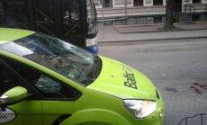 Rīgas centrā taksometrs notriecis gājēju