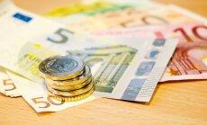 Video: Kā policija sargāja eiro līdz nogādāšanai bankās