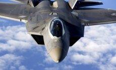 ASV ultramodernie iznīcinātāji F-22 nolaižas Igaunijā