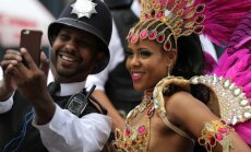 ФОТО: Карнавал в Лондоне завершился десятками нападений и сотнями арестов