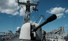 Foto un video: Rīgā ierodas iespaidīgi NATO kuģi