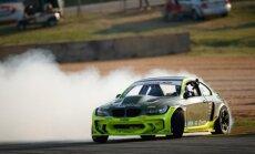 Drifta braucējs Blušs izcīna uzvaru 'Formula Drift' posmā