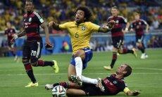 Pasaules sporta zvaigznes gan skumst, gan 'sulīgi' kritizē Brazīlijas izlases zaudējumu
