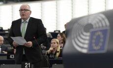 EK ierosina 'burkāna un pātagas' pieeju Āfrikai un Tuvajiem Austrumiem migrācijas cēloņu risināšanai