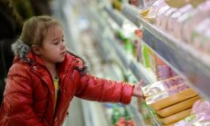 Krievijā rekordliels patērētāju pirktspējas kritums