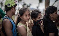 Filipīnas plosa spēcīgs taifūns; evakuē vairāk nekā 100 000 cilvēku