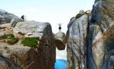 Топ-10 необычных скал и камней, которые стоят целого путешествия