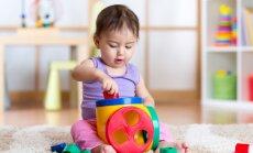 Mācīties spēlējoties: prasmes, ko mazulis apgūst rotaļājoties