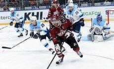 Rīgas 'Dinamo' pirmajā mājas spēlē 'sausā' uzvar Novosibirskas 'Sibirj'